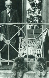 Freud with earlier Chows in Austria. (Image from Freud museum)